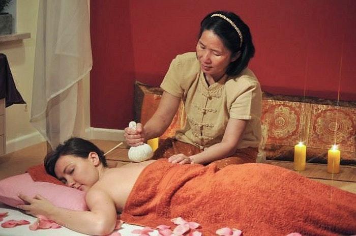 Thai massage by Marcin Bober (Creative Commons)