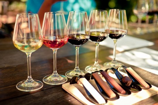 Pairing wine and chocolate. By Rod (Flickr)