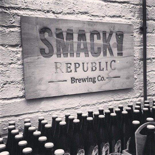 SMACK republic Brewing Co signage