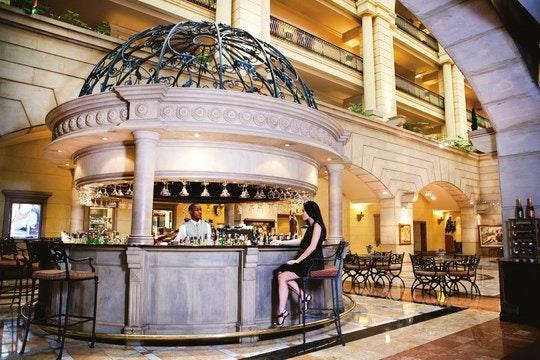 Michelangelo Hotel cocktails. (C) TravelGround