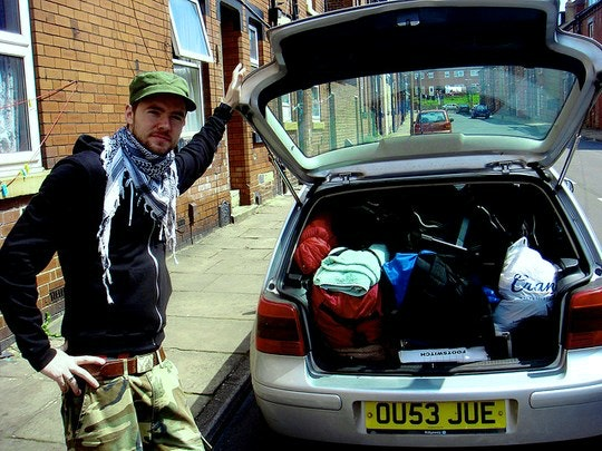 Packed Car by Simon Dogget (Flickr)