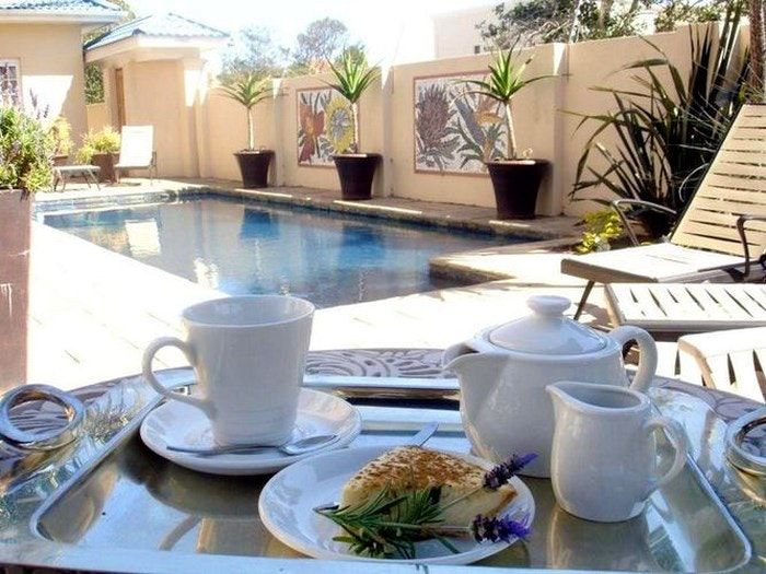 Cape Flame Guest House (TG)