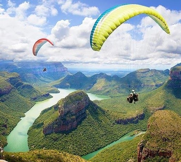 Paragliding over the Blyde River Canyon of Mpumalanga