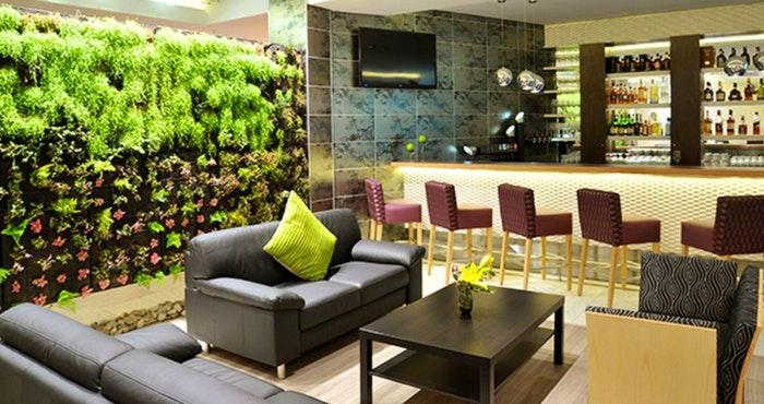 Hotel Verde (TravelGround)