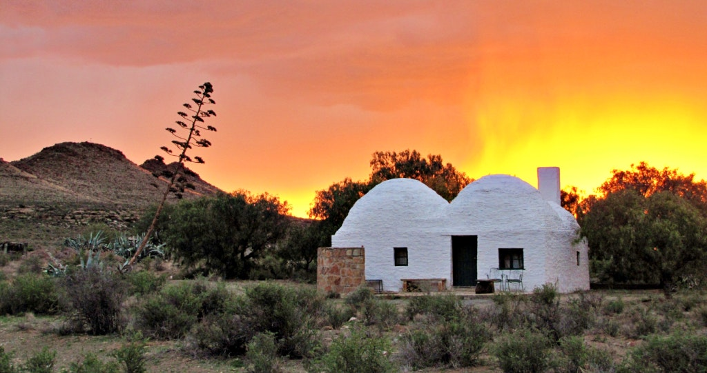 Osfontein Antieke Klip Guesthouses and Treehouse