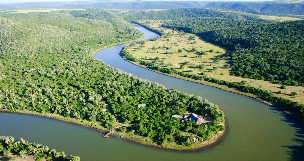 Sibuya Game Reserve & Lodge_romanse langs die rivier