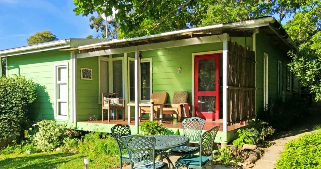 Loeriewood Garden Apartment western cape accommodation weskaap lekkerslaap self catering selfsorg garden