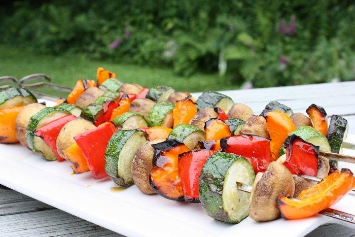Veggie kebabas via meal makeover moms (Flickr)